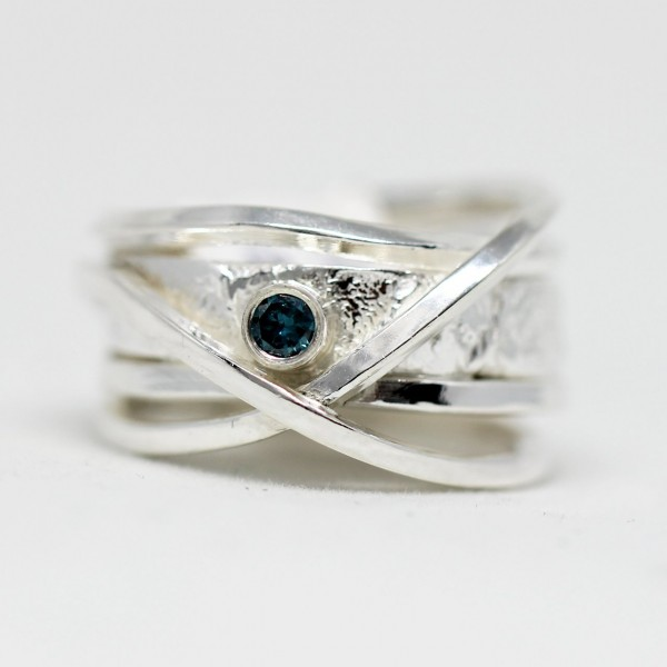 Silberring blauer Diamant