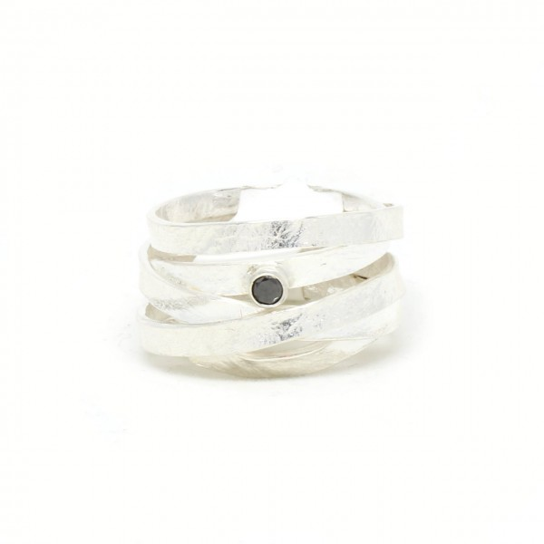 Silberring seidenmatt mit schwarzem Diamant