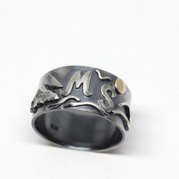 Silberring mit Buchstaben