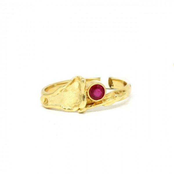 Ring in 585 Gelbgold mit Rubin
